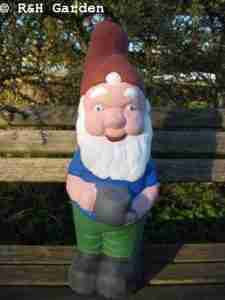 Large Gnome with watering can